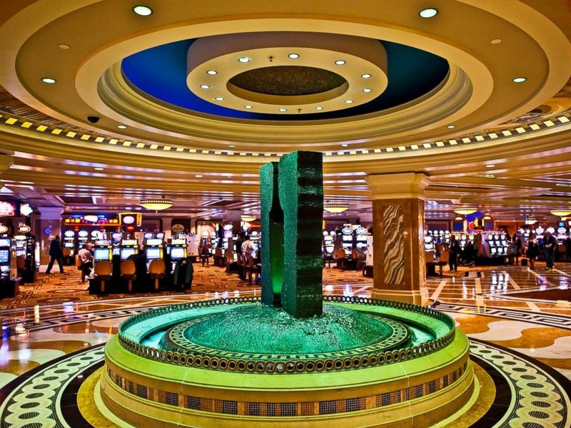 GTY_google_caesars_casino_3_sk_140722_4x3_992